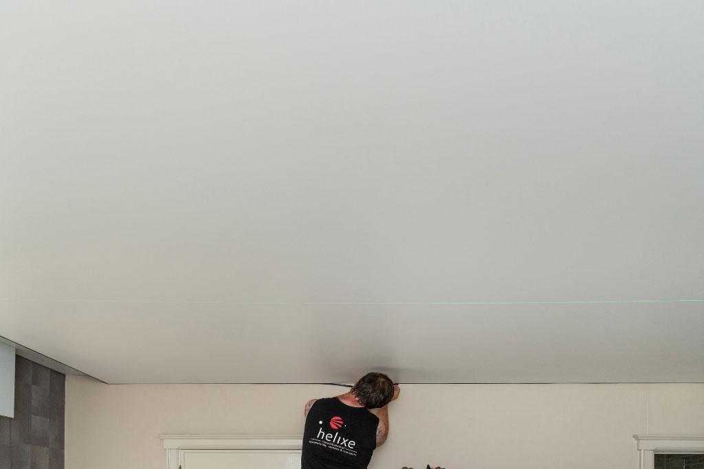 spanplafond reinigen